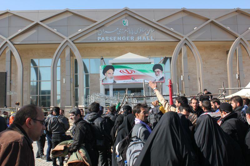 عکس هایی از کاروان اعزامی به کربلای معلی(خروج از مرز مهران)